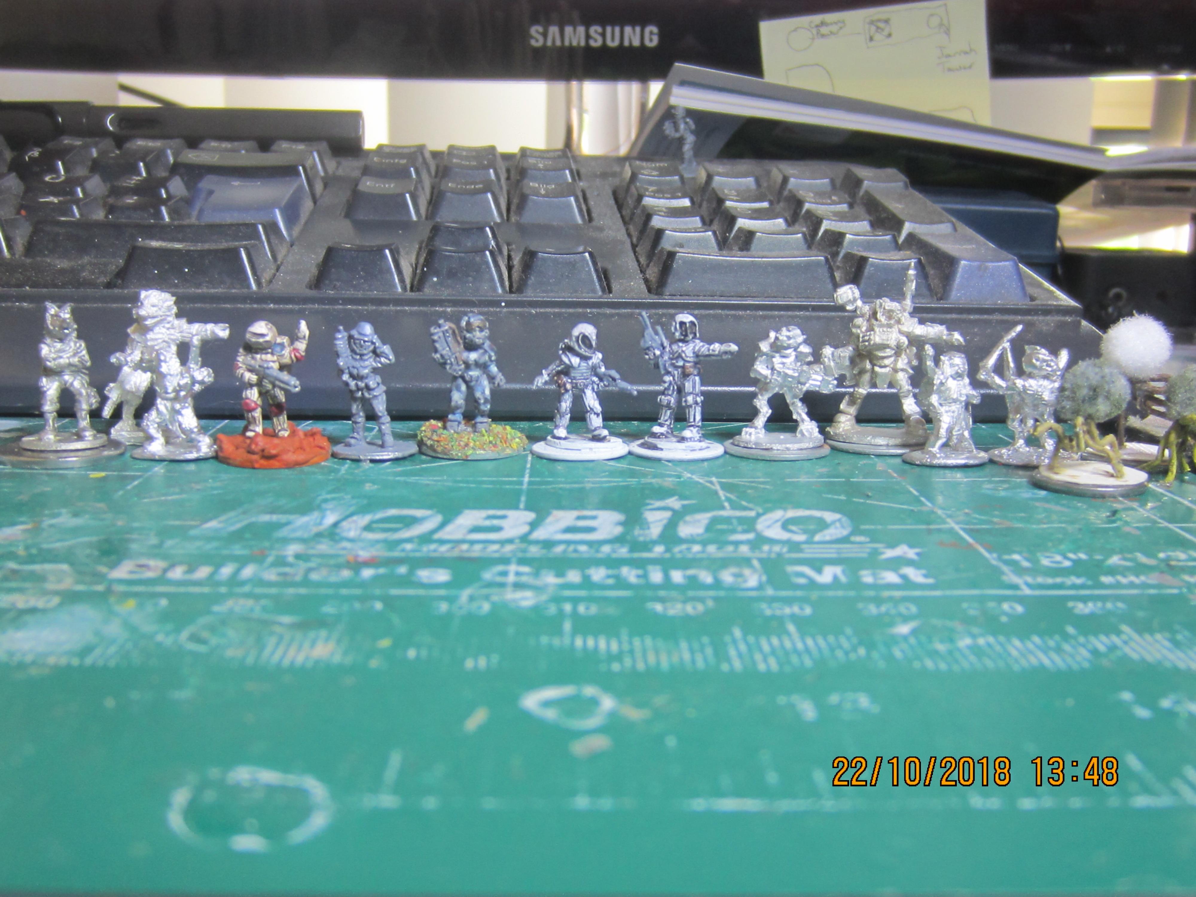 Figure Line Up