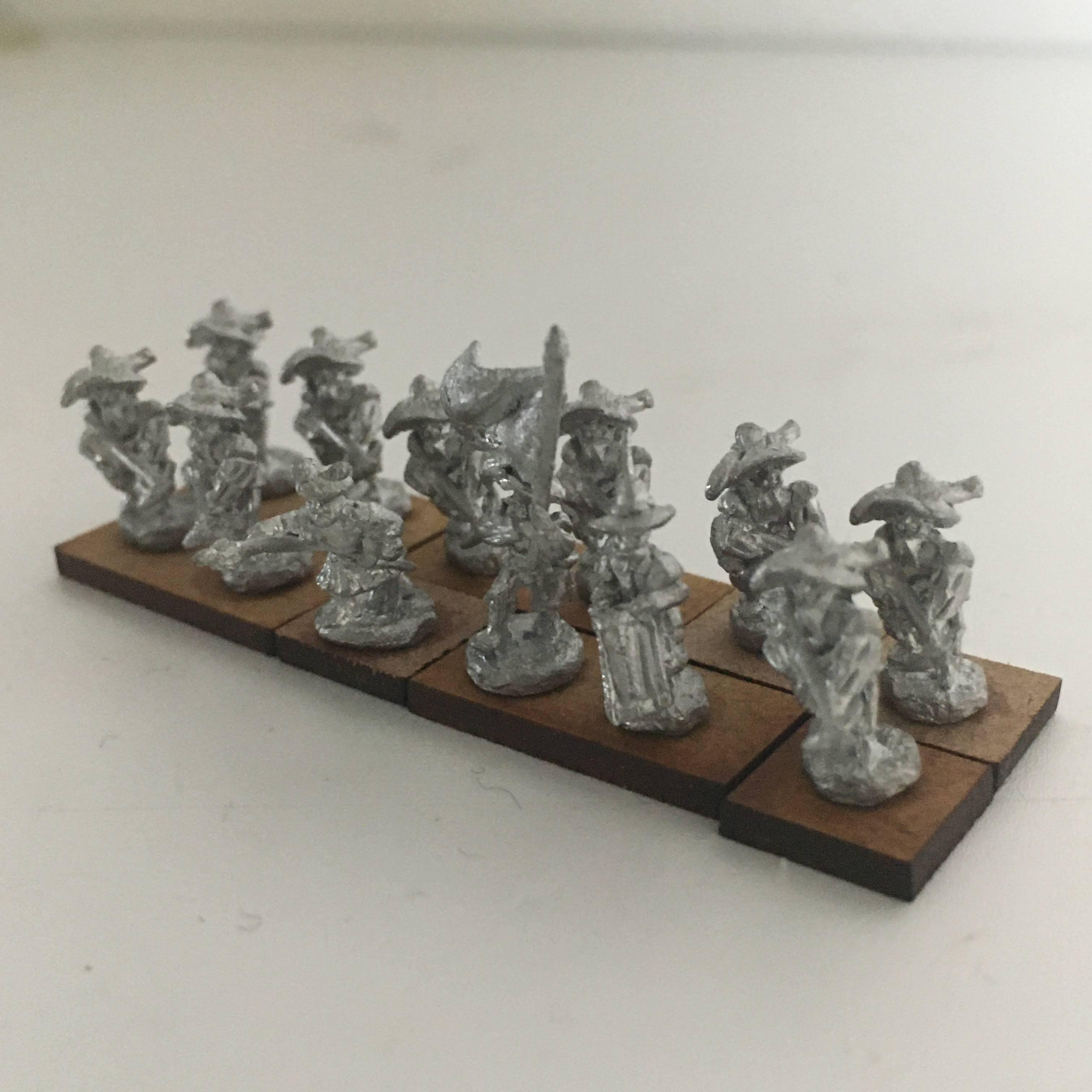 12 crossbowmen